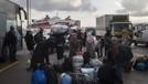 Yunan adalarındaki sığınmacılar taşınıyor