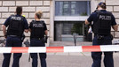 Almanya'da ırkçı paylaşım yapan polislere ceza