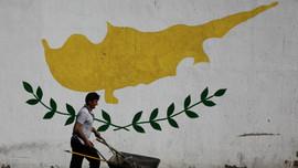Üç Rum Parti Ada'da sorunun çözümüne karşı