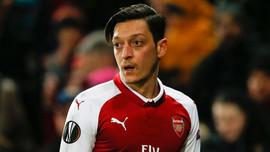 Mesut Özil'in performansına büyük övgü!