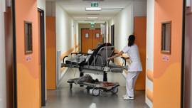 Fransa'da devlet hastanelerinin bütçesi artıyor