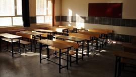 Sınıfta sigara içen öğrenciye sosyal medyada tepki