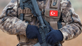 Afrin'de görevli 2 asker ordudan atıldı