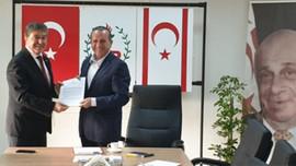 Bakan Üstel'den Fikri Ataoğlu'na ziyaret