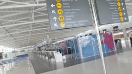 Larnaka ve Baf Havaalanlarına giriş yasağı