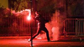 PSG taraftarları Paris'i savaş alanına çevirdi