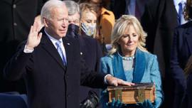 Joe Biden yemin ederek göreve başladı