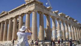 GKRY ve Yunanistan AB turistlerine kapı açıyor