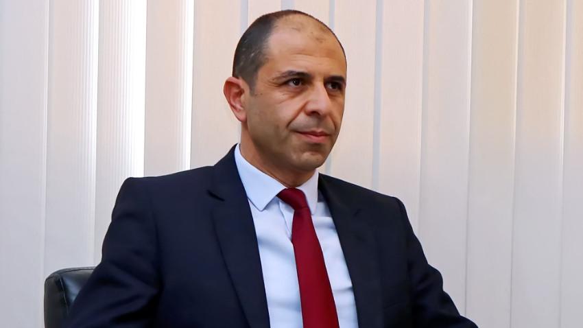 Kudret Özersay'dan Ersin Tatar'a istifa mesajı: Hükümet yok!