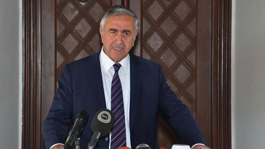 Akıncı iddia etti: Ankara adaylıktan çekil mesajı verdi ! Ankara yalanladı