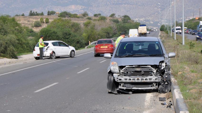 Güzelyurt'ta korkutan kaza, biri çocuk 3 yaralı!
