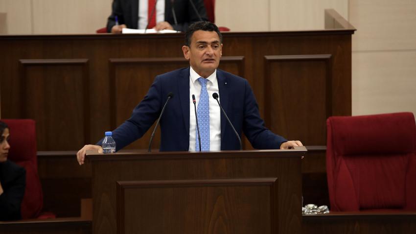 Maliye Bakanı maaş kesintisi için farklı konuştu... Başbakan kesinti var demişti