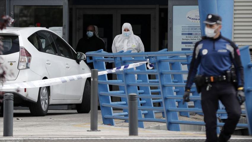 İspanya'da bir günde 832 kişi yaşamını yitirdi