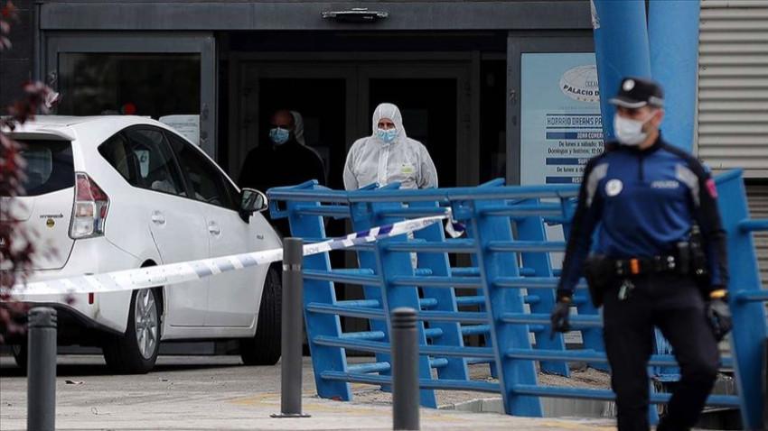 İspanya'da bir günde 812 ölüm daha oldu