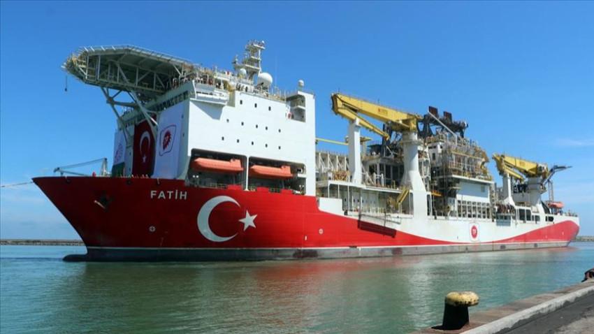 Fatih Gemisi Trabzon Limanı'na demir attı