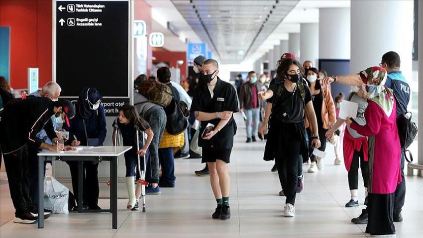 Kanada'daki Türk vatandaşları Türkiye'ye döndü