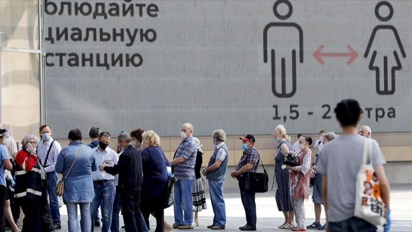 Rusya Kovid-19 vaka sayısını düşüremiyor