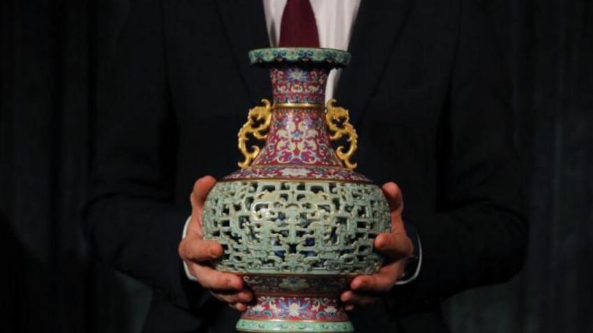 56 dolarlık antika vazo 9 milyon dolara satıldı