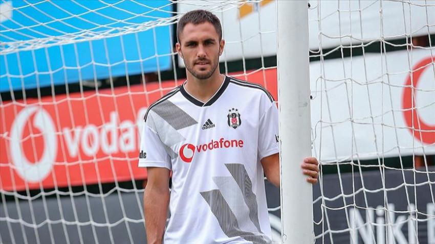 Beşiktaş'ta Victor Ruiz ile yollar ayrıldı