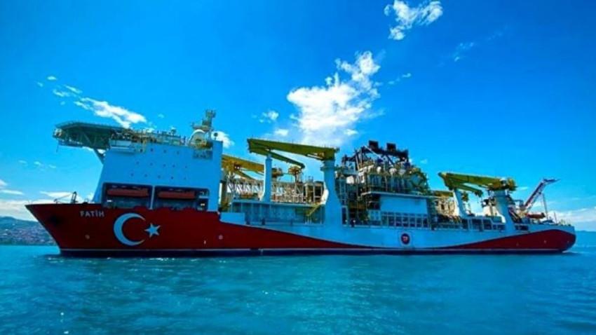 Fatih gemisi Karadeniz'de ilk sondajına başladı