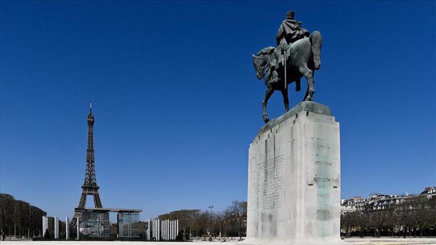 Fransa İslam karşıtlığını siyasete dönüştürüyor