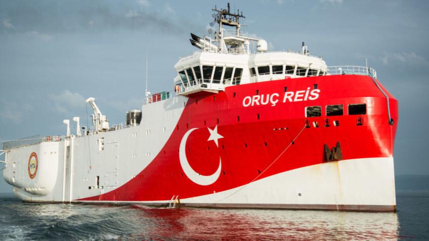 Oruç Reis'in Doğu Akdeniz'de bekleyişi sürüyor