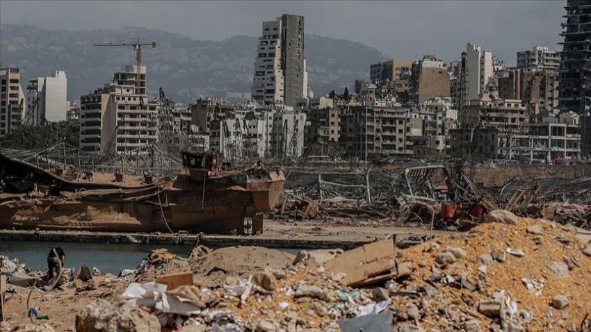 Lübnan'da patlama sonrası üçüncü istifa da geldi