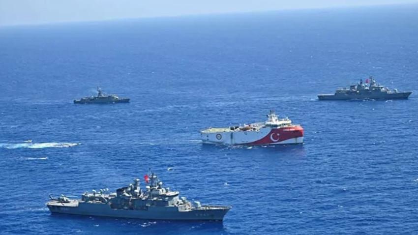 Oruç Reis Türk donanması ile Akdeniz'de! Sismik araştırmalara kaldığı yerden devam
