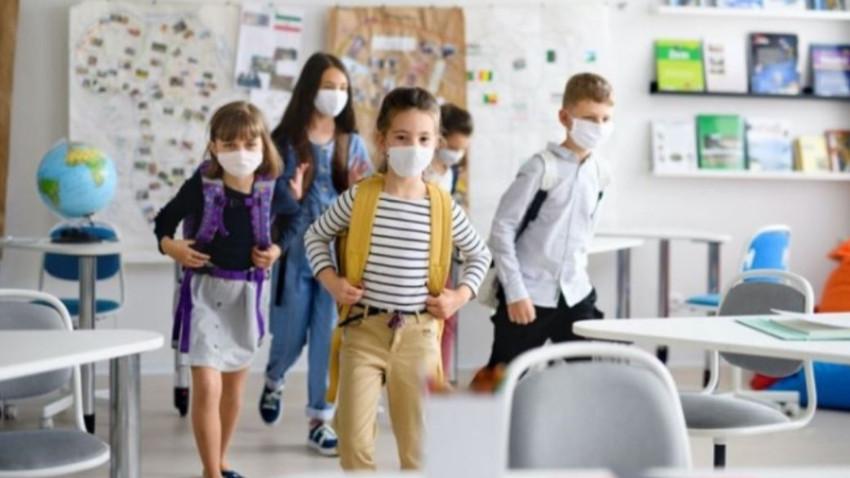 Güney Kıbrıs'ta maskeli eğitim kararına tepki