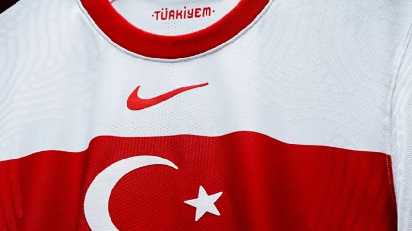 Türkiye A Milli Takım'ın formaları yenilendi