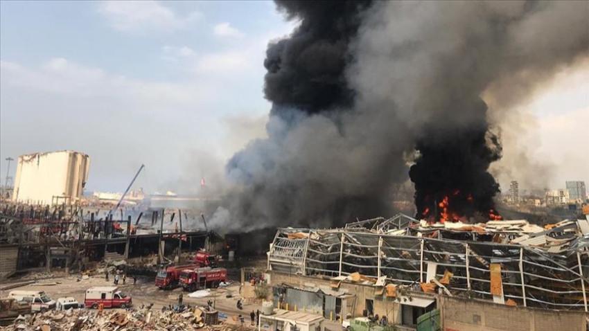 Beyrut Limanı'ndaki hangarda büyük yangın