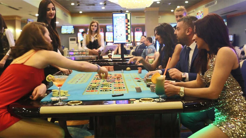 KKTC'de sokak yasak casino serbest! İlginç karar...