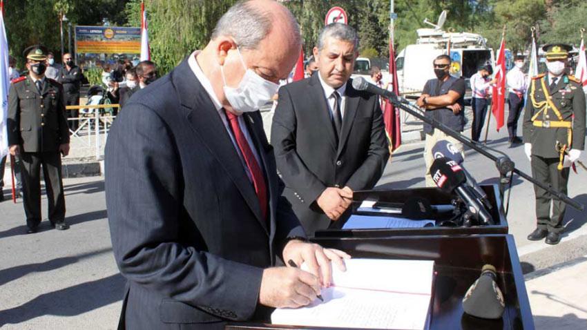 Cumhurbaşkanı Tatar, Cumhuriyet Bayramı'nda anıt özel defterine ne yazdı?