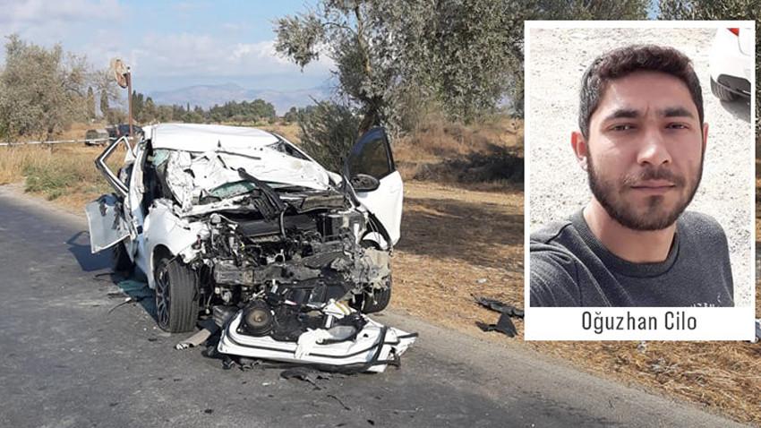 Traktörle çarpıyan otomobilin sürücüsü hayatını kaybetti