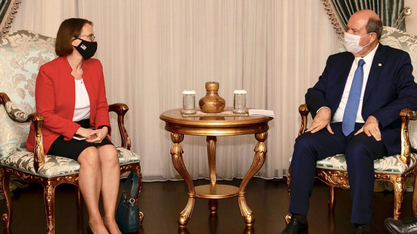 """Ersin Tatar ABD Büyükelçisini kabulünde Rumlar'a ince bir """"ayar"""" yaptı"""