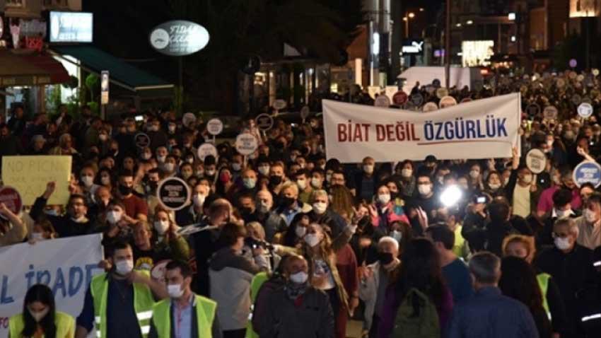 Cumhurbaşkanlığı seçimi sonrası tepki yürüyüşü! Dikkat çeken isimlerle yapıldı