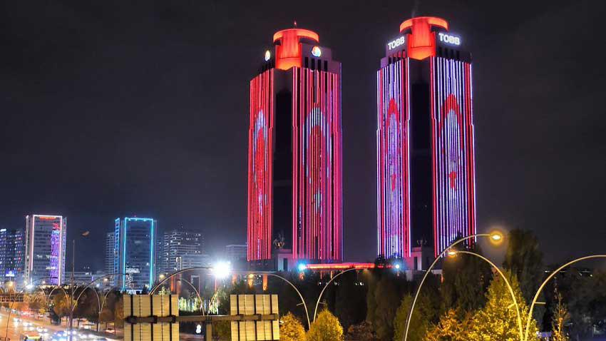 Cumhuriyet Bayramı'nda Ankara'da muhteşem görüntü