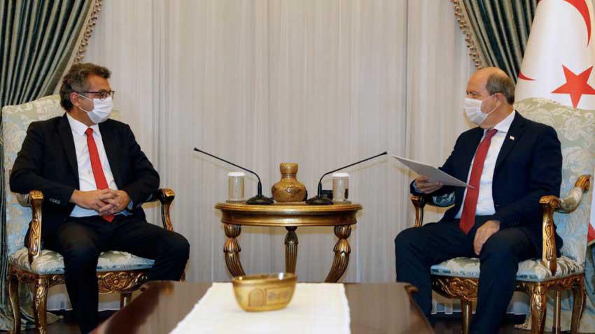 Cumhurbaşkanı Tatar'dan CTP lideri Erhürman'a sitem ve uyarı: Bir an önce kur!