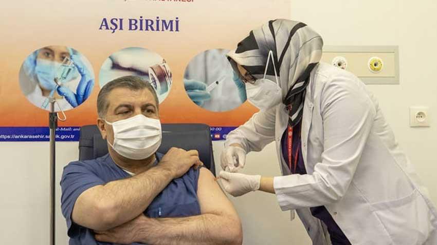 Türkiye'de kitlesel koronavirüs aşılaması başladı! İlk aşı Sağlık Bakanı'na...
