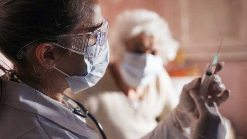 KKTC'de koronavirüs aşısı için 65 yaş ve üzeri kişiler nasıl başvuracak?