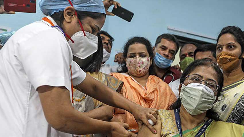 Kimler koronavirüs aşısı yaptırmamalı? Tehlikeye karşı uyarı geldi