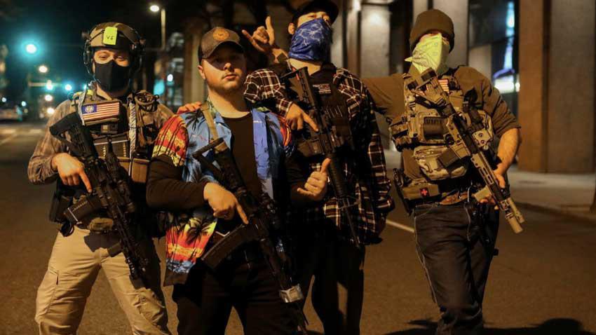 ABD'de silahlı gruplar sokağa indi... İç savaş ortamı gibi...