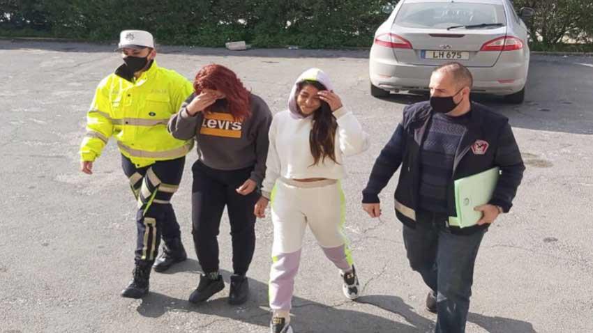 Trafik polisi suç üstü yakaladı! Biri 17 yaşında 2 kız ile 1 adam tutuklandı