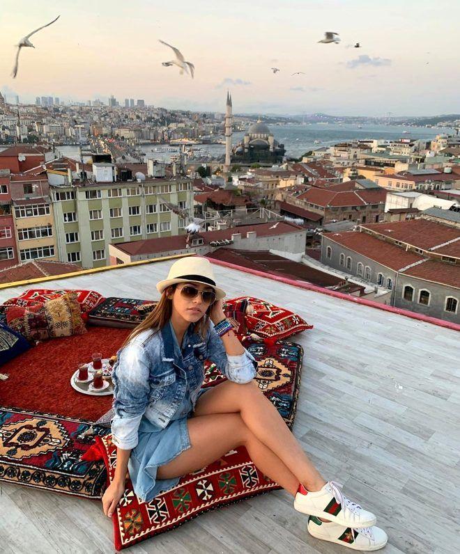 Dünyaca ünlü sunucu Türkiye'ye geldi! Kucak pozu olay oldu - Sayfa 3