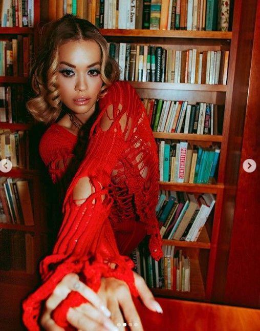 Rita Ora Instagram'ı salladı! İç çamaşırsız pozları.. - Sayfa 4