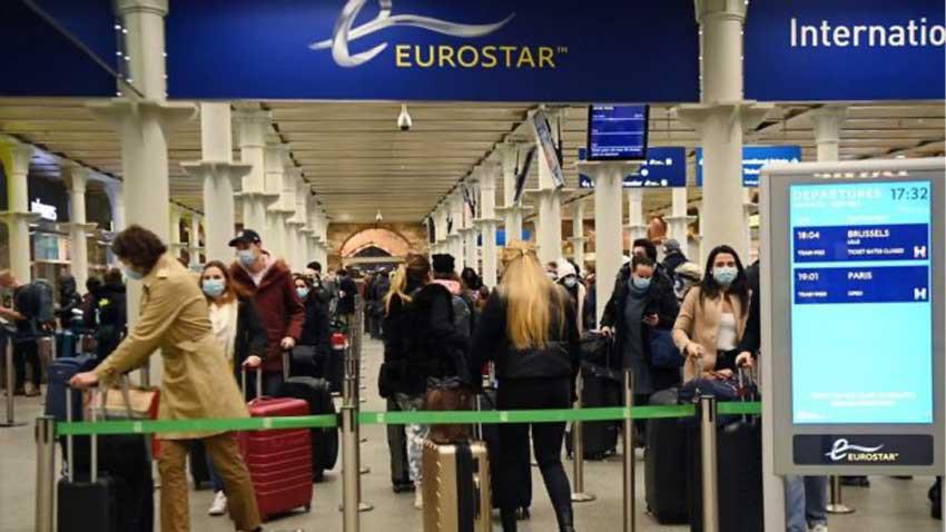 İngiltere'de mutasyona uğrayan koronavirüs alarmı! Dünyanın yeni kabusu