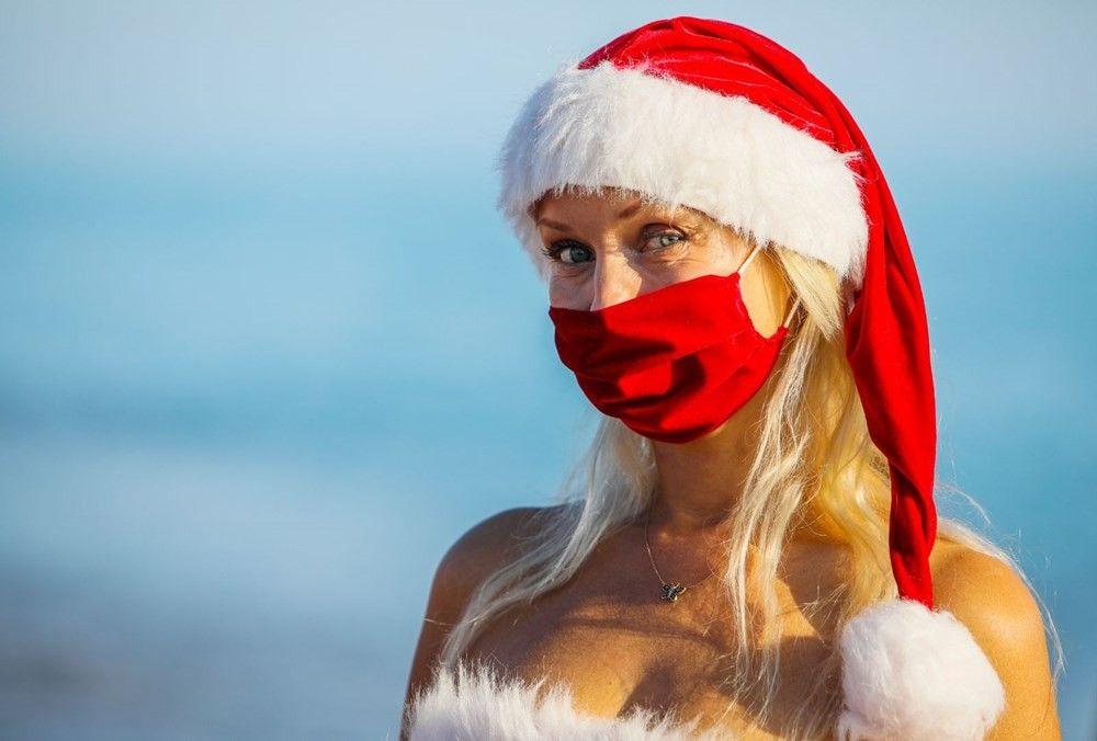 Noel anneler maskeleriyle sahile indi! 2021'e maskeli karşılama - Sayfa 4